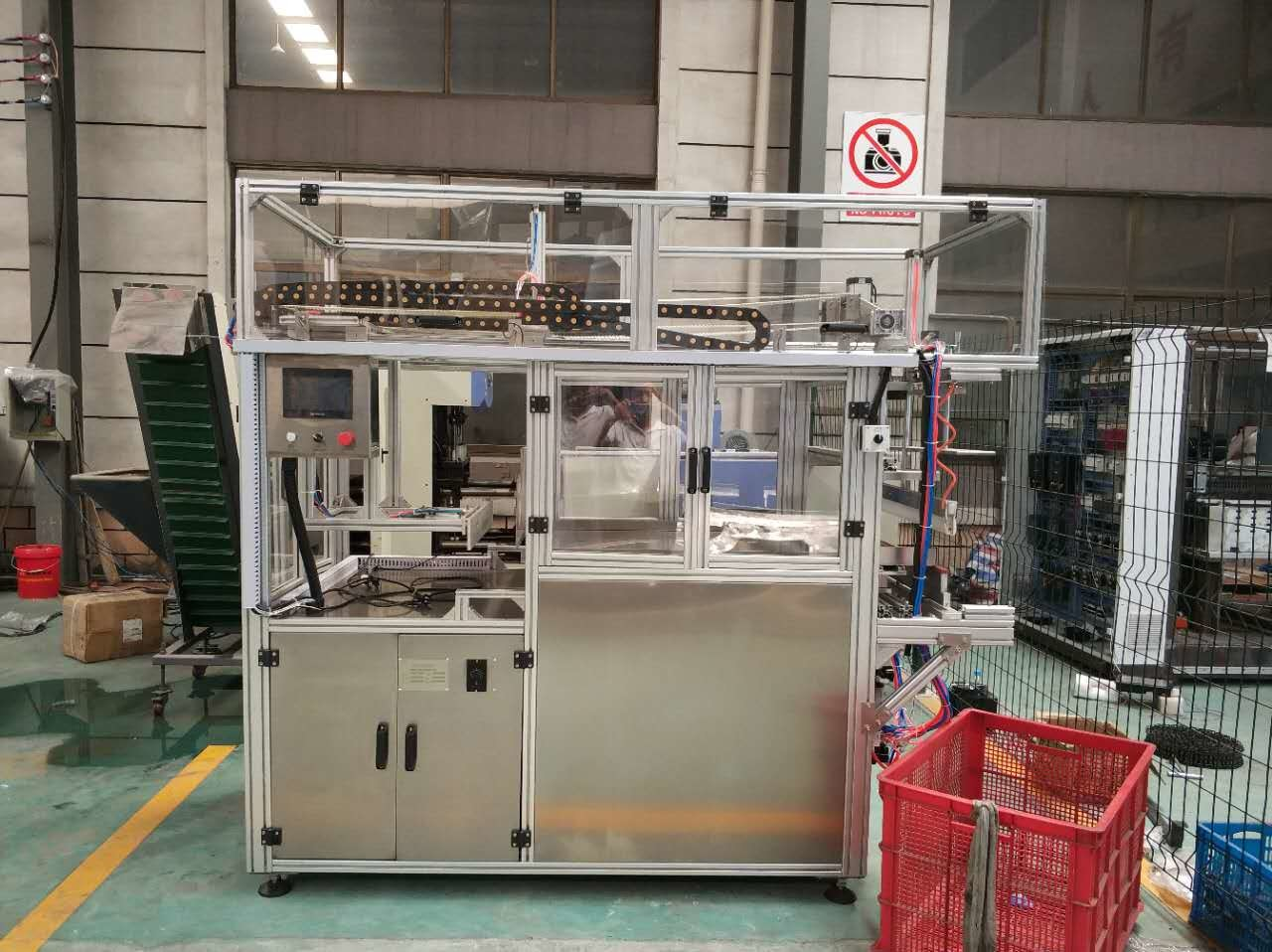 High Speed Automatic Bagging Machine Packaging 8,000 Bottles Per Hour
